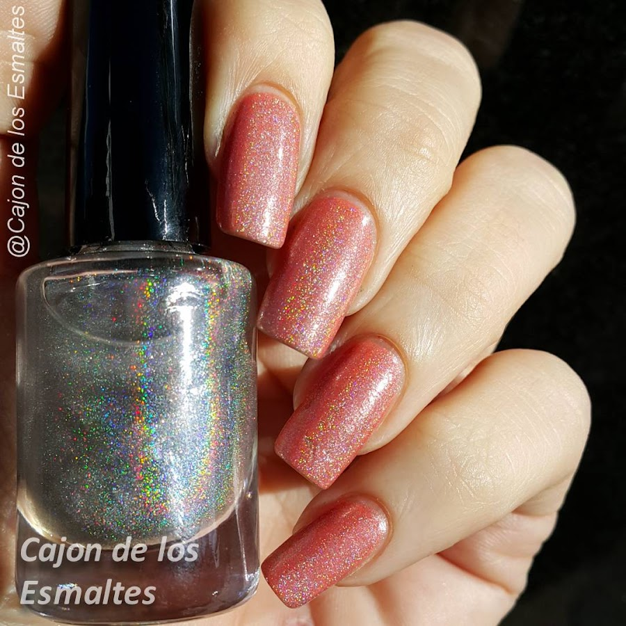 Esmaltes de uñas holográficos - topcoat holográfico