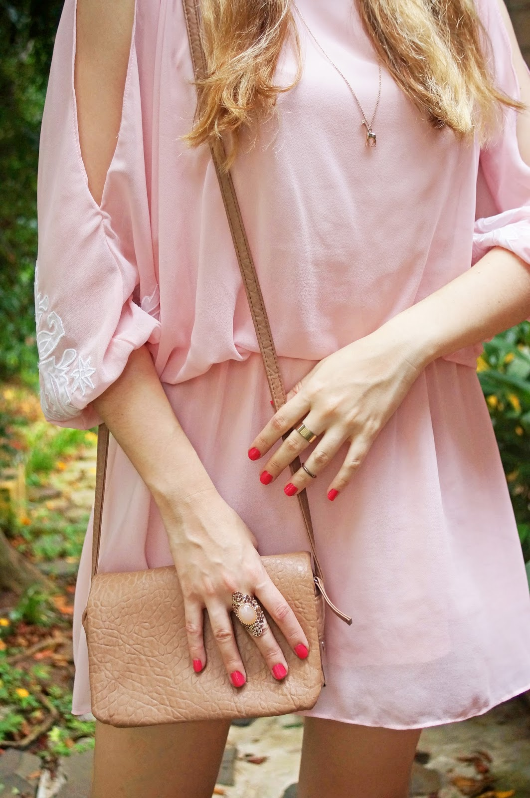 Loving this pink dress and cute accessories!