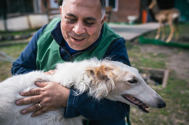 Карен Даллакян создал настоящий дом престарелых и инвалидов для зверей и птиц