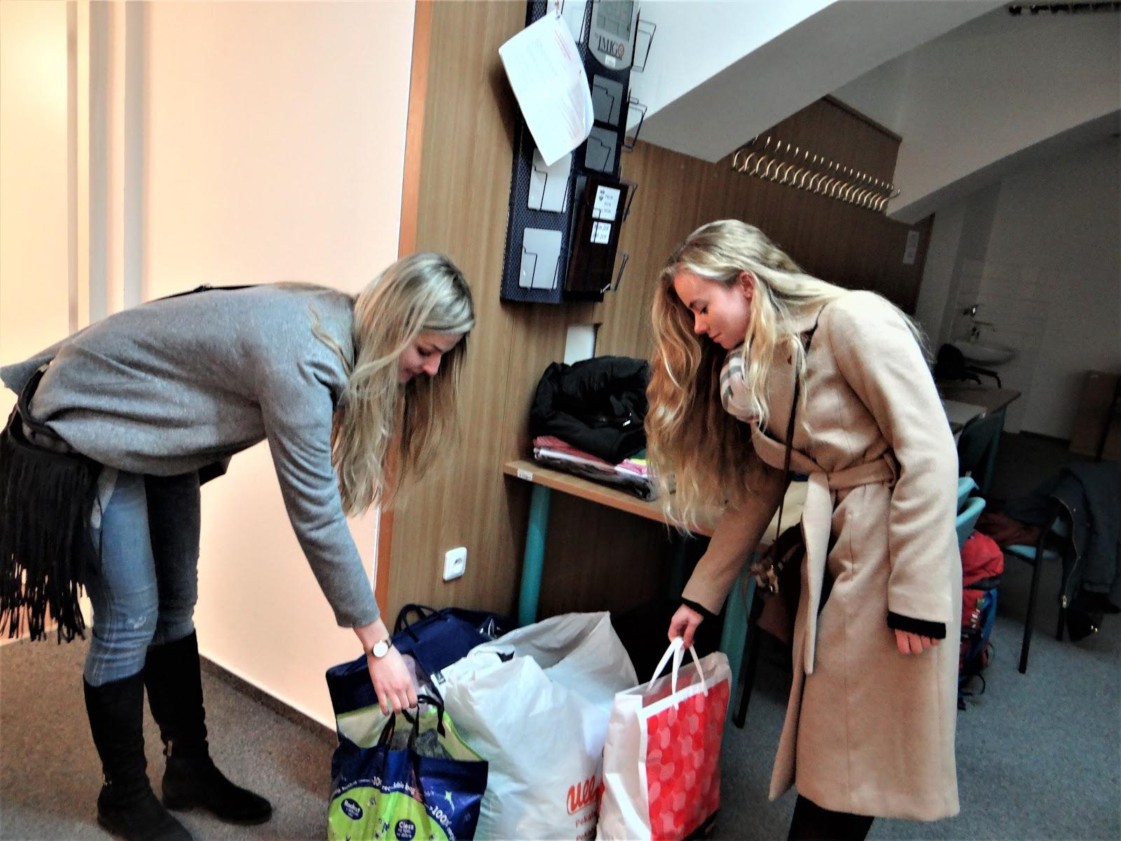 Studentky darovaly své oblečení. Autor: Michaela Jagusztynová