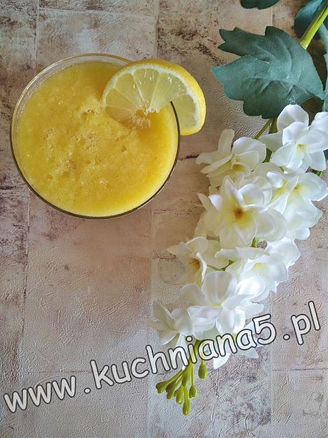 koktajl ze ananasa