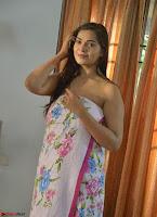 Ashwini Sizzling Pics in Tamil movie Jeyikkira Kuthira 006.jpg