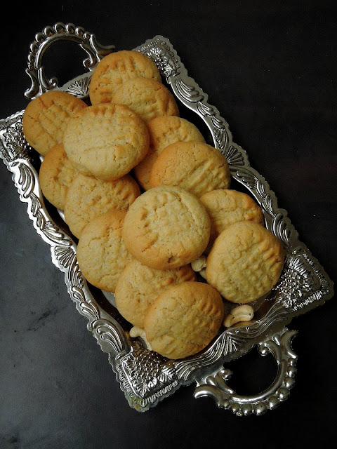 Eggless Cashew Coconut Cookies