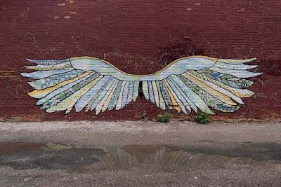 wing murals - bad travel trends