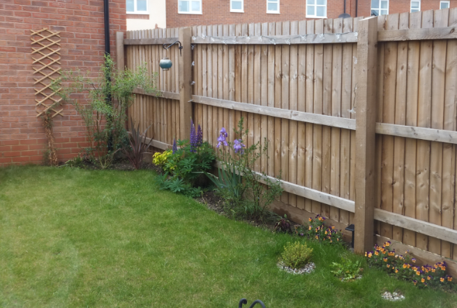 Mini Garden Makeover! Small Garden Ideas for Brightening ...