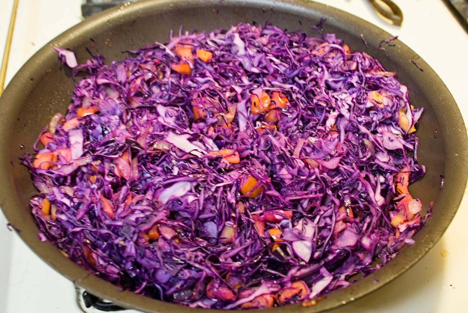 braising Red Cabbage and Apples