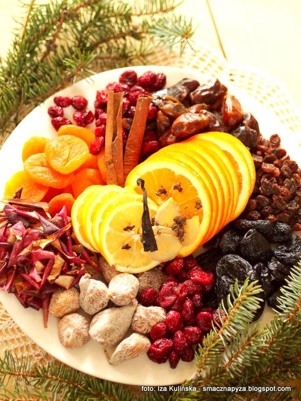 nalewka bozonarodzeniowa, alkohol, swieta, suszone owoce, bakalie, bozenarodzenie, nalewki domowe