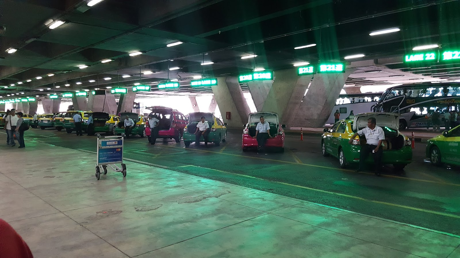 泰國機場排班的計程車