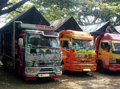 Sewa truk Depok Surabaya Murah