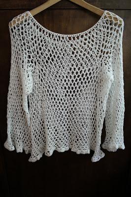 Ażurowy letni sweterek