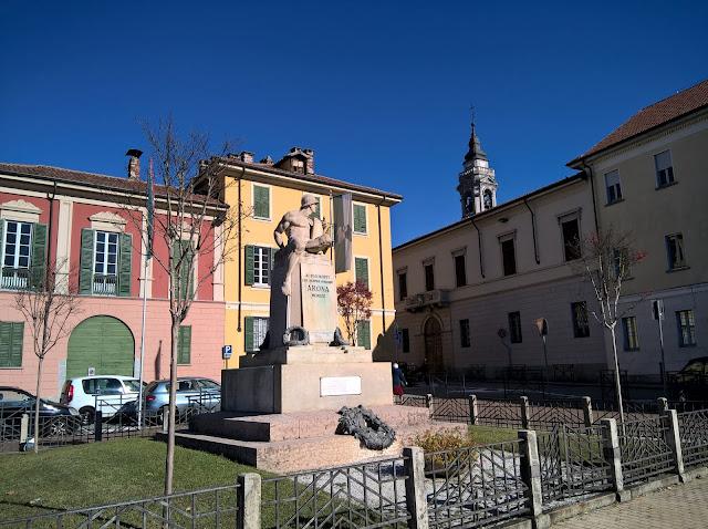 Piazza De Filippi