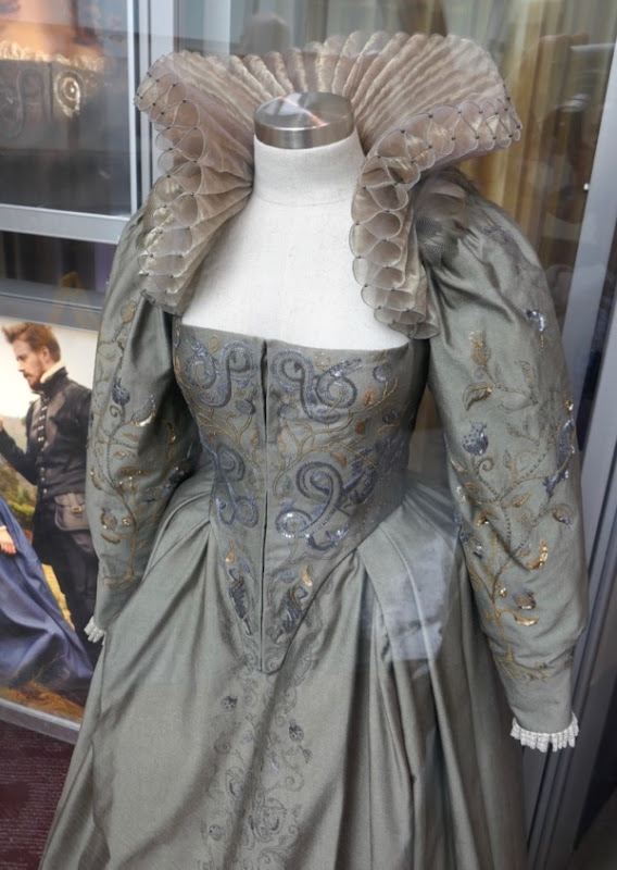 Mary Queen of Scots Queen Elizabeth I costume