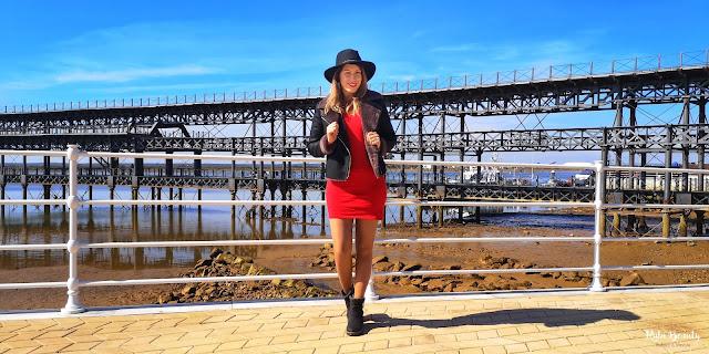 outfit combinar un vestido rojo zara
