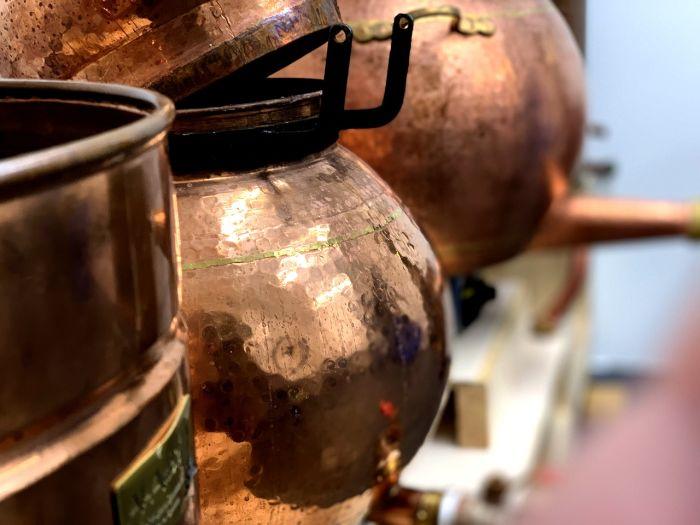 Destilador de cobre tipo alambique