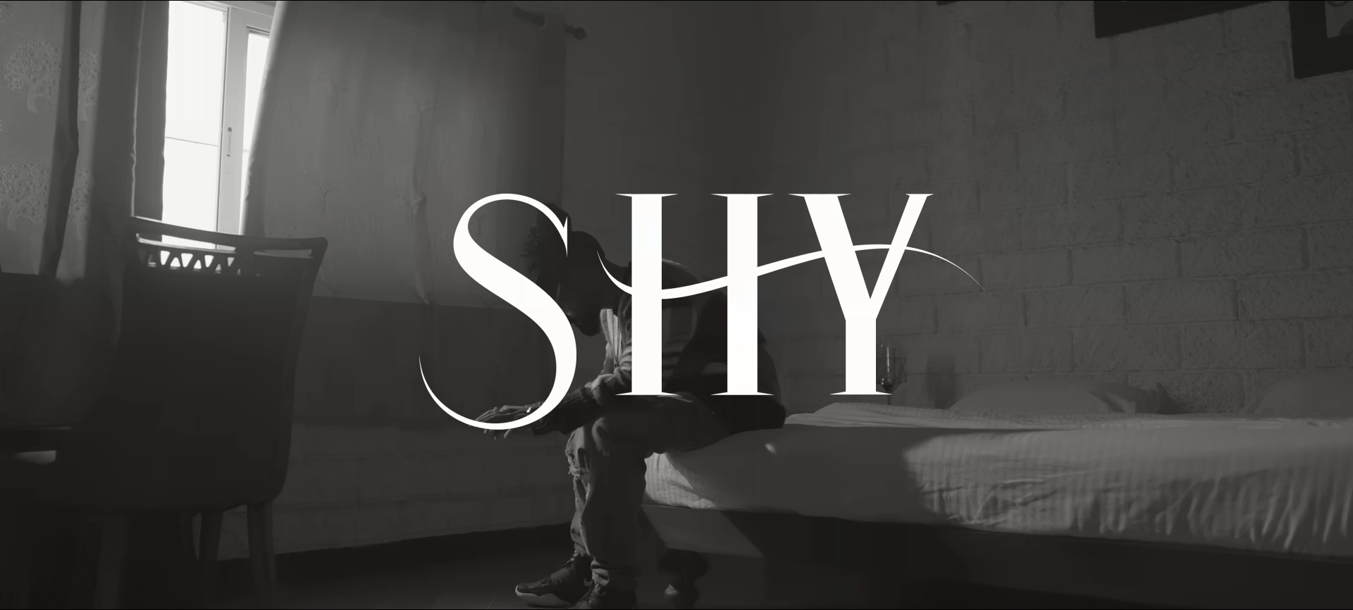 Shy Lyrics by Emiway Bantai is latest Hindi song with music given by Meme Machine. Shy song lyrics are written by Emiway Bantai and music video is directed by Shubham Dolas.
