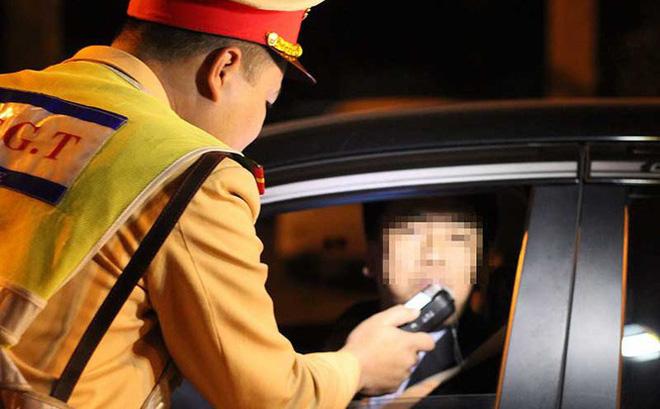Nồng độ cồn dương tính do ăn trái cây, uống thuốc có bị phạt khi tham gia giao thông?