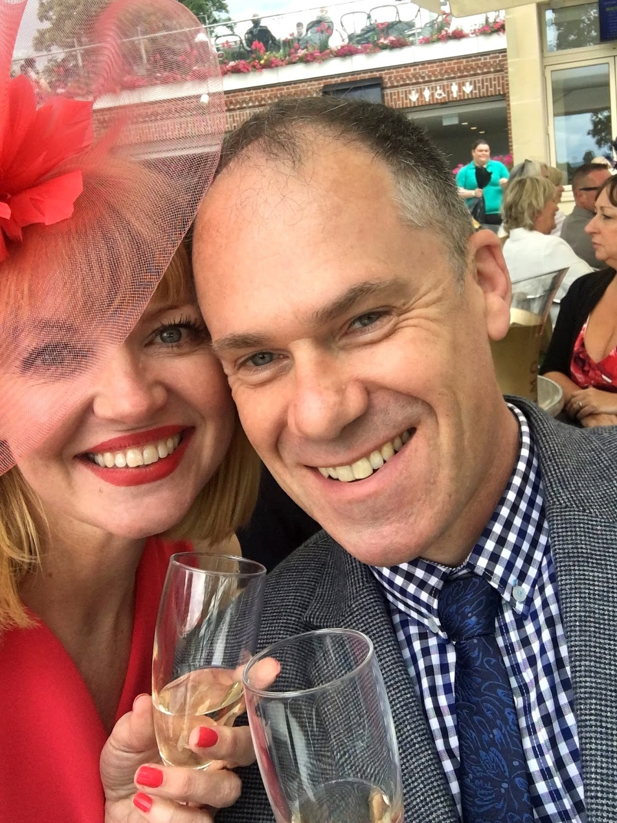 York Races, champagne selfie