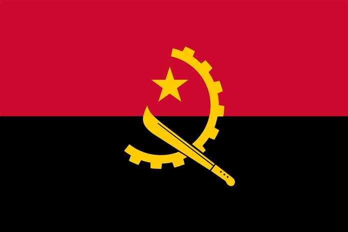 Bayrağında sarı olan ülkeler Angola bayrağı