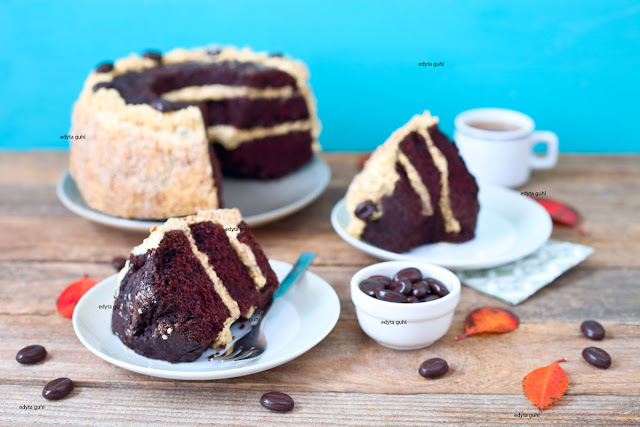 http://dolcevitainmykitchen.blogspot.com/2019/11/czekoladowe-ciasto-z-solonym-karmelem.html