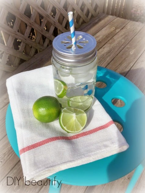 Mason jar as a drinking glass and detox water www.diybeautify.com