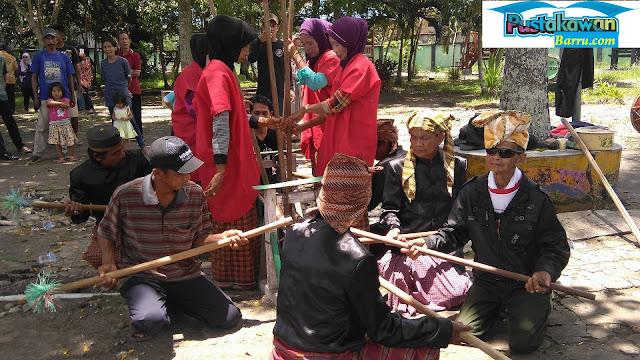 Mappadendang, Pesta Adat Suku Bugis yang Nyaris Terlupakan