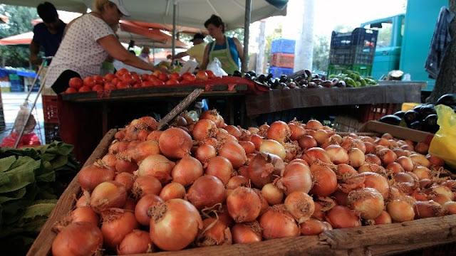 Οι πωλητές λαϊκών αγορών ετοιμάζουν ετοιμάζουν απεργιακές κινητοποιήσεις