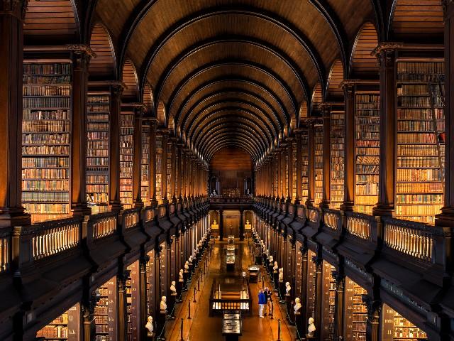 trinity-college-library-poracci-in-viaggio-credit-to-rob-durston-by-failte-ireland