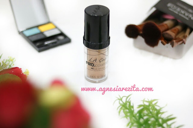 LA Girl Pro Coverage HD Iluminating Foundation Soft Honey