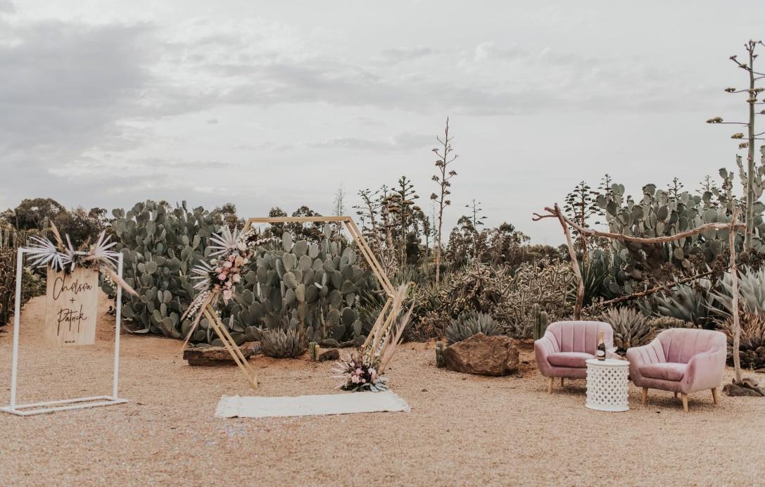 JAYDE CREATIVE PHOTOGRAPHY CACTUS COUNTRY MELBOURNE ELOPEMENT INSPIRATION AUSTRALIAN DESIGNER