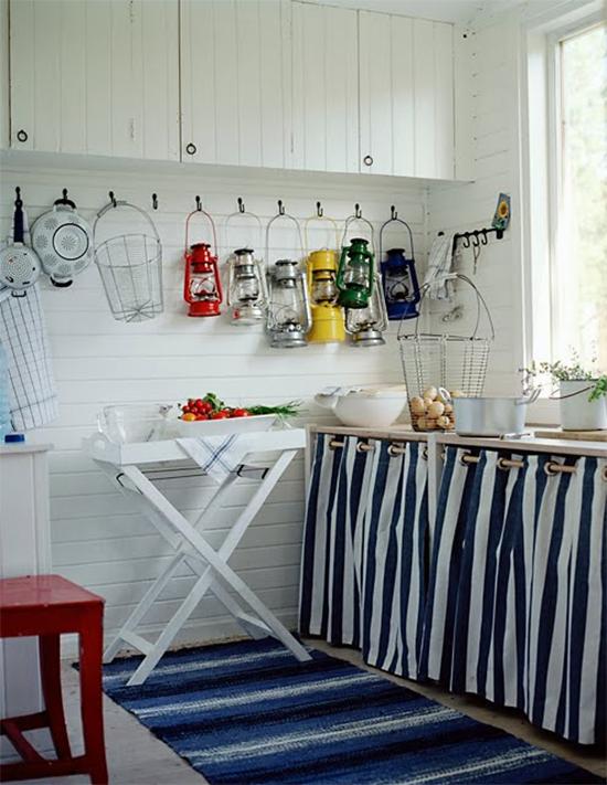cortina na lavanderia, área de serviço, cortina embaixo da pia, acasaehsua, acasa eh sua, arrumar bagunça, organizar, skin curtain, diy, faça você mesmo