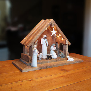 willow creek creche from the etsy store silver holly
