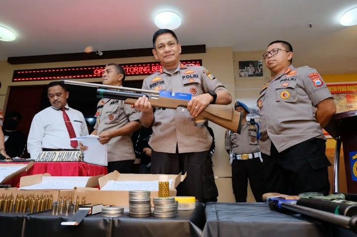 Kapolda Irjen Pol Mas Guntur Laupe, Senjata Rakitan, Di Sita di PT Pos Indonesia