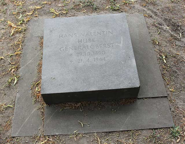 Hans-Valentin Hube tombstone, Third Reich graves worldwartwo.filminspector.com