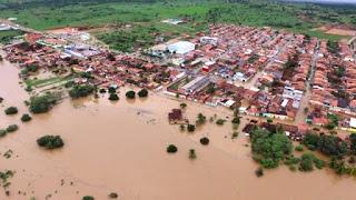 Barragem se rompe na Bahia