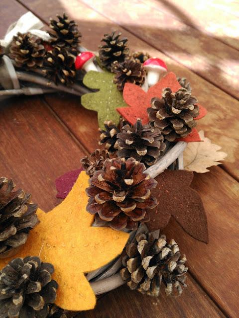 guirnalda, otoño, fieltro, piñas, manualidades, wreath, fall, autumn, felt, pinecones, couronne, autumne, feutrine