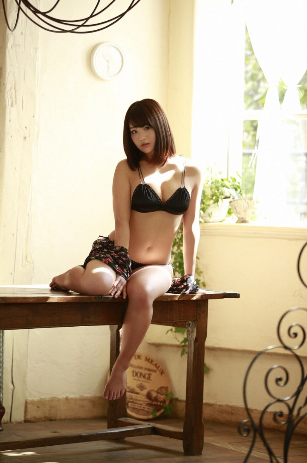 Image-Japanese-Actress-And-Model-Natsumi-Hirajima-Sexy-Lingerie-Queen-TruePic.net- Picture-2