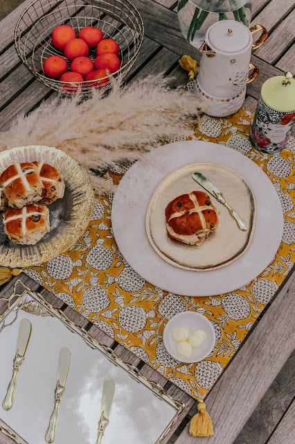 Luxury Easter Table Setting Hot Cross Buns