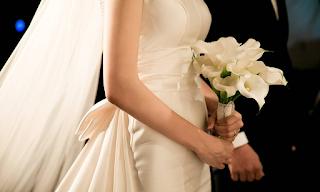 Έξαλλοι οι νιόπαντροι με το δώρο του θείου: Σάλος 3 μήνες μετά το γάμο! ΕΙΚΟΝΕΣ