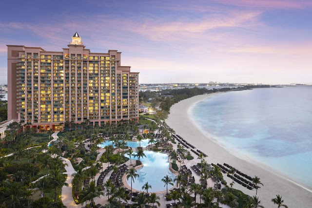 Adjacent to The Cove, The Reef at Atlantis rests upon the white sand beaches of Paradise Island with the gracious relaxation of the Bahamian culture.
