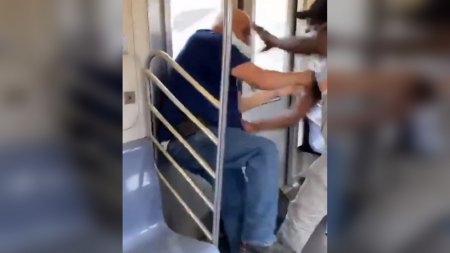 Чернокожие партизаны Нью-Йорка начинают резать белых прямо в метро