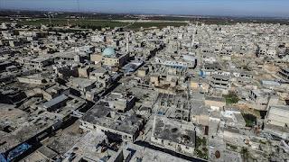 بعد سيطرة النظام وحلفائه عليها.. مدينة سراقب تتحول لمدينة أشباح (فيديو)