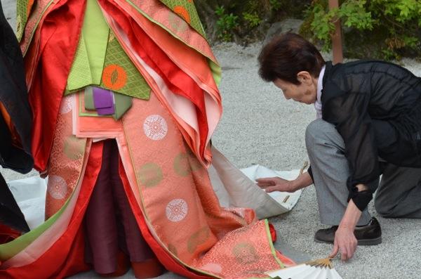 上賀茂神社で十二単と平安装束