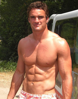 Thom evans scottish rugby player kelly brook boyfrriend shirtless muscles