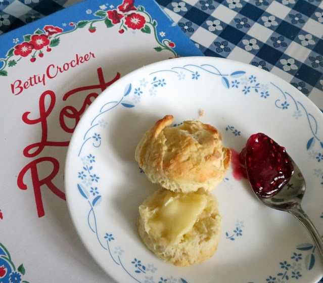 Stir 'N Roll Biscuits