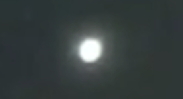Luz sobre Lake Charles, Louisiana, EE. UU. 31-3-2021 2