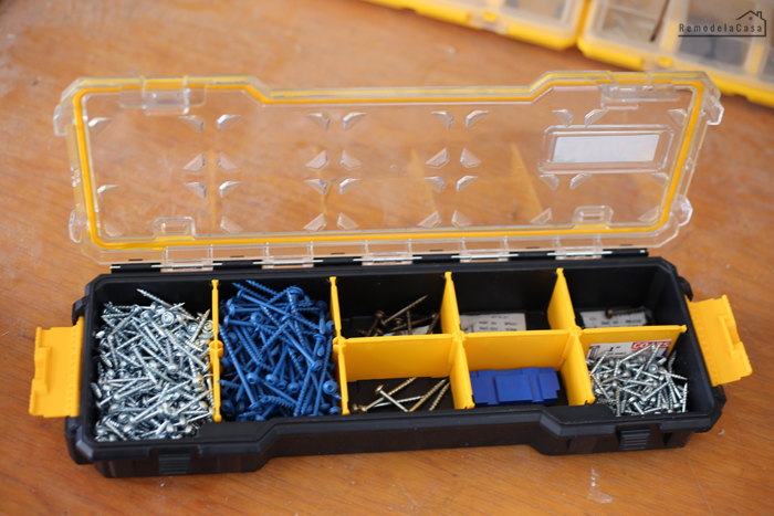 Small DeWalt 10-Compartment organizer - Kreg jig screws