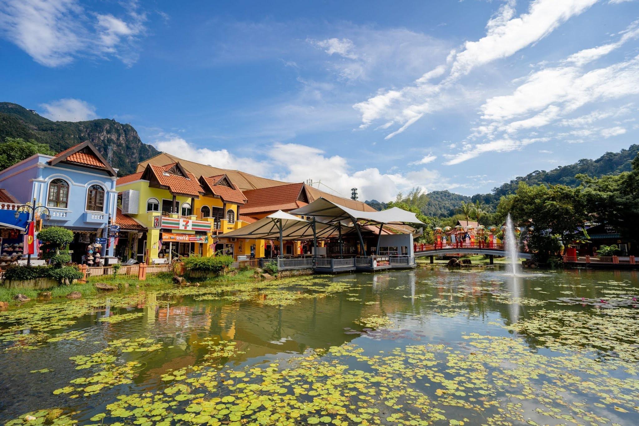10 Tempat Menarik di Langkawi Oriental Village Langkawi 1