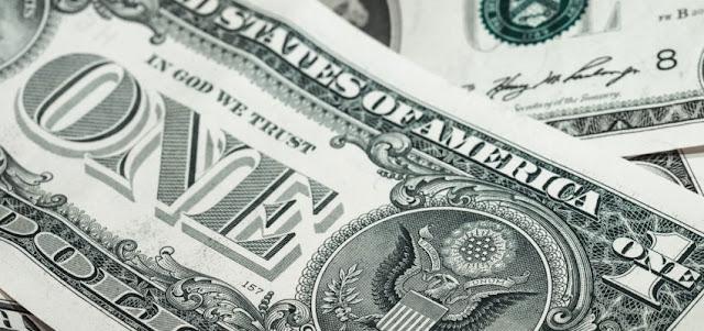 Dólar paralelo inicia semana en alza y se sitúa sobre los Bs.74.000
