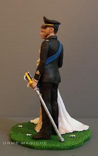 statuette torta nuziale uomo in uniforme da cerimonia con sciabola top cake tops orme magiche