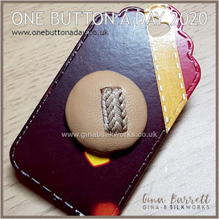 One Button a Day 2020 by Gina Barrett - Day 26: Enlace
